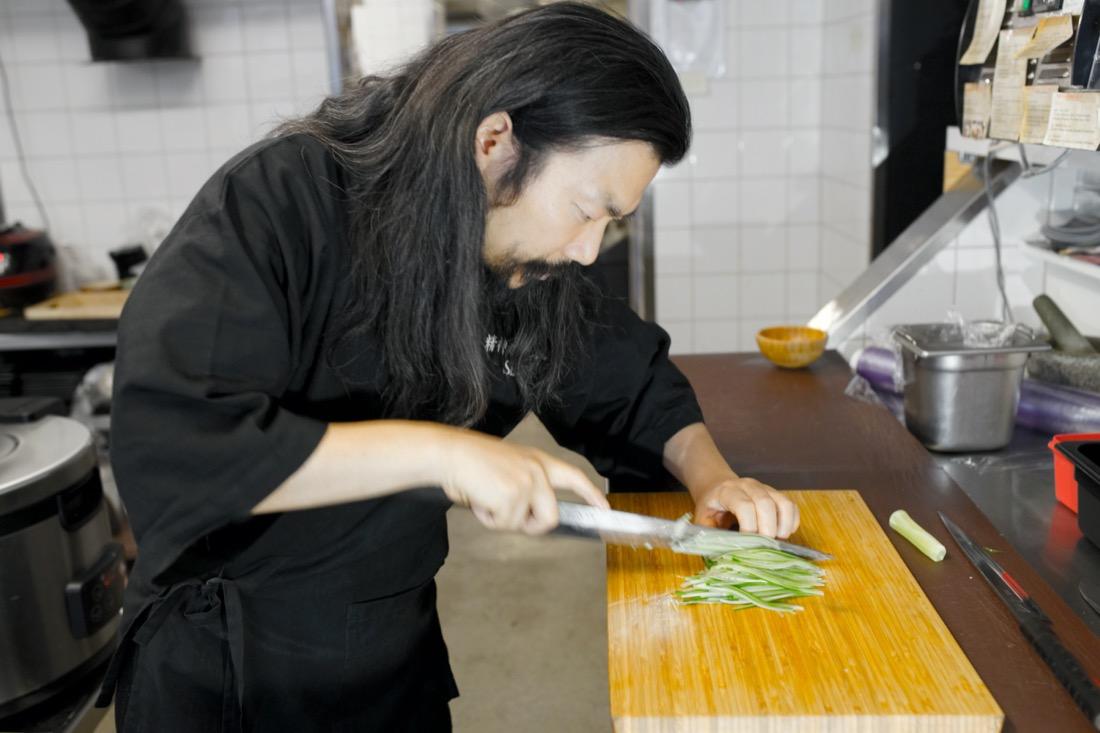 äkta japansk sushi på gång