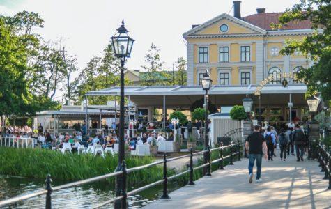 Lundström & Hjulström spelar på frimis trädgård
